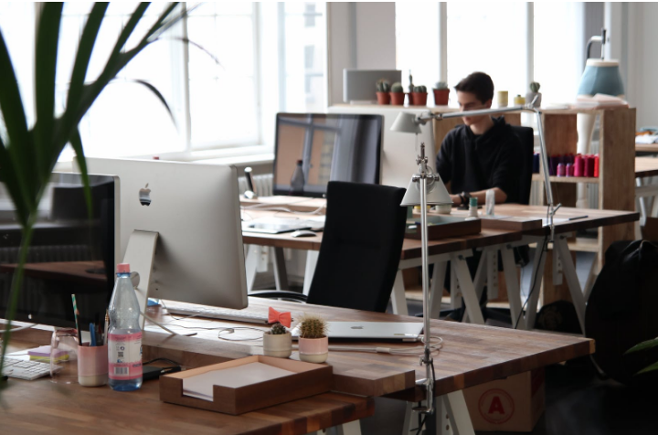 Why is it important to have a spotless workplace for an office?
