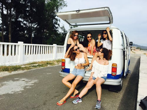 The Advantages of Travelling In a Group